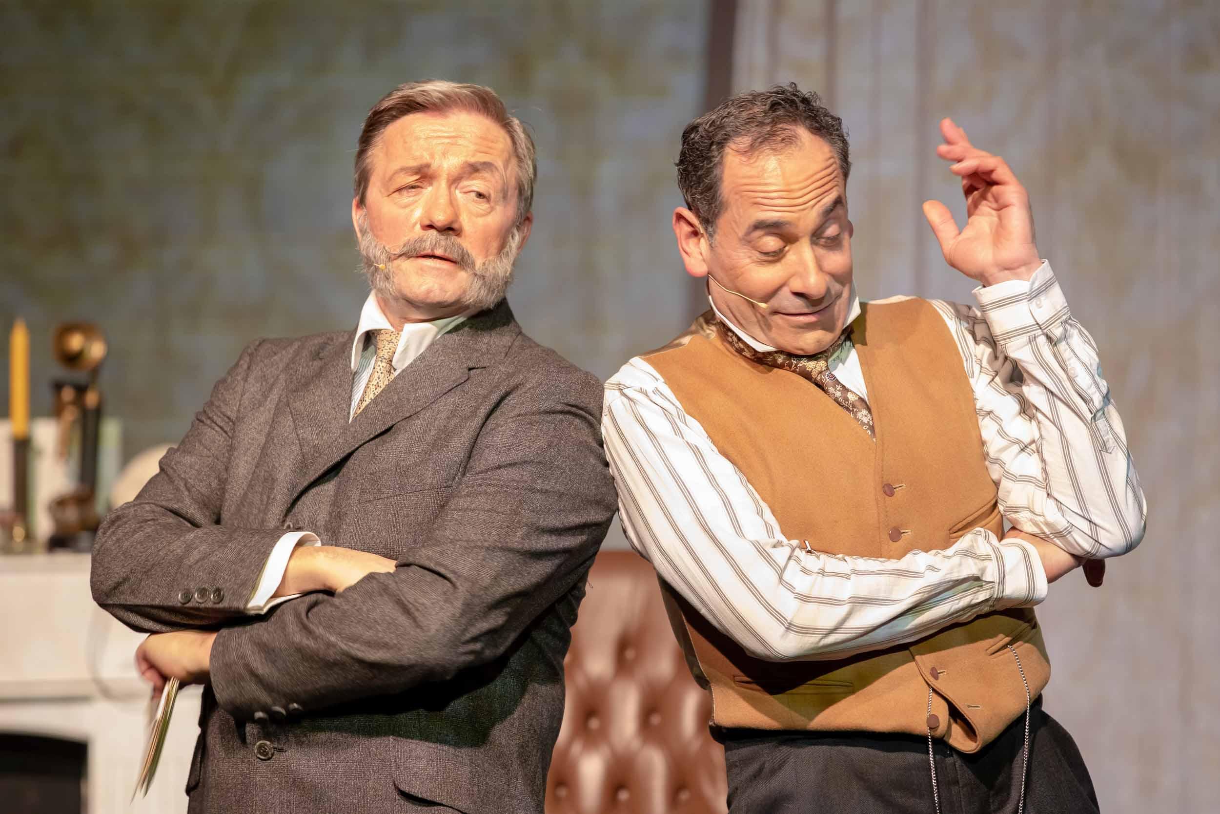 Dr. Watson (Frank Logemann + Sherlock Holmes (Ethan Freeman) © Mirco Wallat